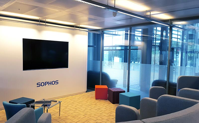 sophos-tiered-seating-02